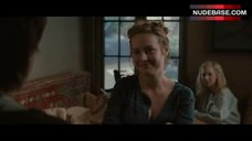 Brie Larson Cleavage – Greenberg