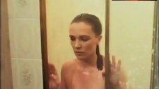 Louise Howitt Boobs Scene – Lady Stay Dead