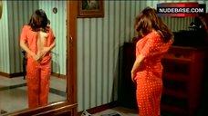 Jenny Tamburi Nipple Flash – La Seduzione