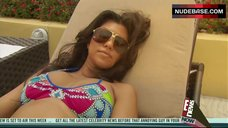Kourtney Kardashia Bikini Scene – Kourtney & Khloe Take Miami
