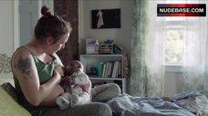 Lena Dunham Breast Feeding – Girls