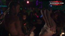 Lena Dunham Breasts Flash – Girls