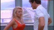 Pamela Anderson Sexy – Baywatch