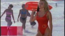Pamela Anderson Hot Scene – Baywatch