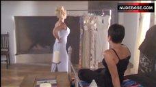 Pamela Anderson in Underwear – V.I.P.