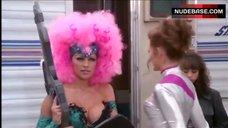 Busty Pamela Anderson – V.I.P.