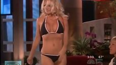 Pamela Anderson in Hot Bikini – Ellen: The Ellen Degeneres Show