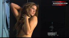Khloe Kardashian is Naked – Keeping Up With The Kardashians