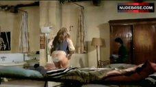 Ursula Andress Butt Crack – Loaded Guns