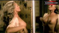 Ursula Andress Shows Her Tits – Spogliamoci Cosi Senza Pudor