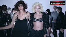 Lady Gaga Shows Black Lingeriе – I Want Your Love