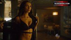 India De Beaufort Shows Sexy Black Lingerie – Blood & Oil
