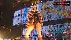 6. Foxy Brown Nip Slip – Jay-Z: Fade To Black