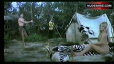 10. Pamela Tifin Bare Breasts ans Ass – Il Vichingo Venuto Dal Sud