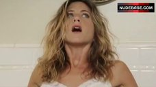 Jennifer Aniston Sexy in Nightie – Bruce Almighty
