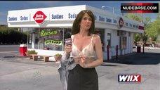 Kristen Wiig Lingerie Scene – Saturday Night Live