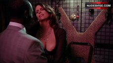 Amy Landecker Nipple Slip – House Of Lies