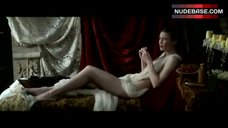 1. Robin Wright Posing Nude – Moll Flanders