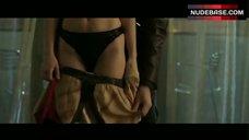 Maria Bello in Black Lingerie – Shattered