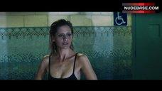 3. Sarah Michelle Gellar Swimming in the Pool – Veronika Decides To Die