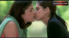 5. Sarah Michelle Gellar Lesbian Kiss – Cruel Intentions