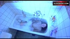 Tuva Novotny Shows Tits in Bath – Slim Susie