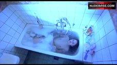 3. Tuva Novotny Shows Tits in Bath – Slim Susie