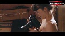 4. Tuva Novotny Shows Nude Tits – The Wedding Photographer