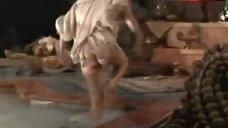 Katherine Heigl Shows Nude Ass – Prince Valiant