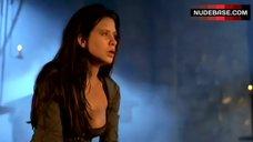 1. Rhona Mitra Decolltte – Beowulf