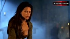 3. Rhona Mitra Decolltte – Beowulf
