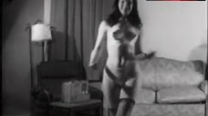 Bettie Page Dance in Hot Underwear – Teaser Girl In High Heels