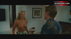 Nicky Whelan Bare Boobs – Hall Pass