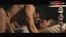 Louise Bourgin Sex in Missionary Position – A Happy Event