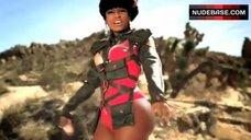 Sexy Nicki Minaj – Massive Attack