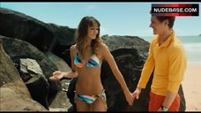 Sharni Vinson Hot in Bikini – Bait