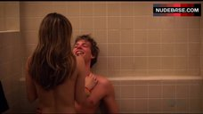 10. Jamie Renee Sex in Shower Room – Weeds