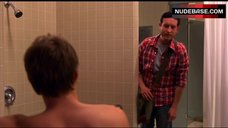 5. Jamie Renee Sex in Shower Room – Weeds