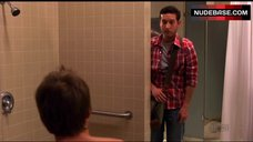 6. Jamie Renee Sex in Shower Room – Weeds