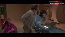 Daliah Lavi Hot Scene – Casino Royale