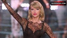 Taylor Swift Lingerie Scene – The Victoria'S Secret Fashion Show 2014