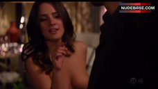 Addison Timin Flashing Breasts – Californication