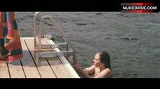 2. Elizabeth Olsen Shows Ass – Martha Marcy May Marlene
