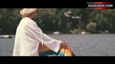 5. Elizabeth Olsen Shows Ass – Martha Marcy May Marlene