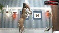 Nadia Fares Nude Body in Soapy Foam – Poliziotti