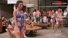 Necar Zadegan Bikini Scene – Girlfriends' Guide To Divorce