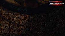 1. Emilia Clarke Intim Scene – Game Of Thrones