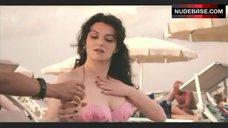 Martina Gedeck Sexy in Pink Swimsuit – Frauen Lugen Nicht