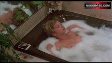 Rosanna Arquette Boobs Scene – Desperately Seeking Susan