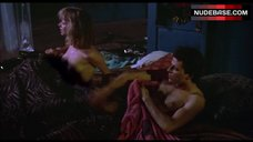 Rosanna Arquette Flashes Nude Tits – Desperately Seeking Susan